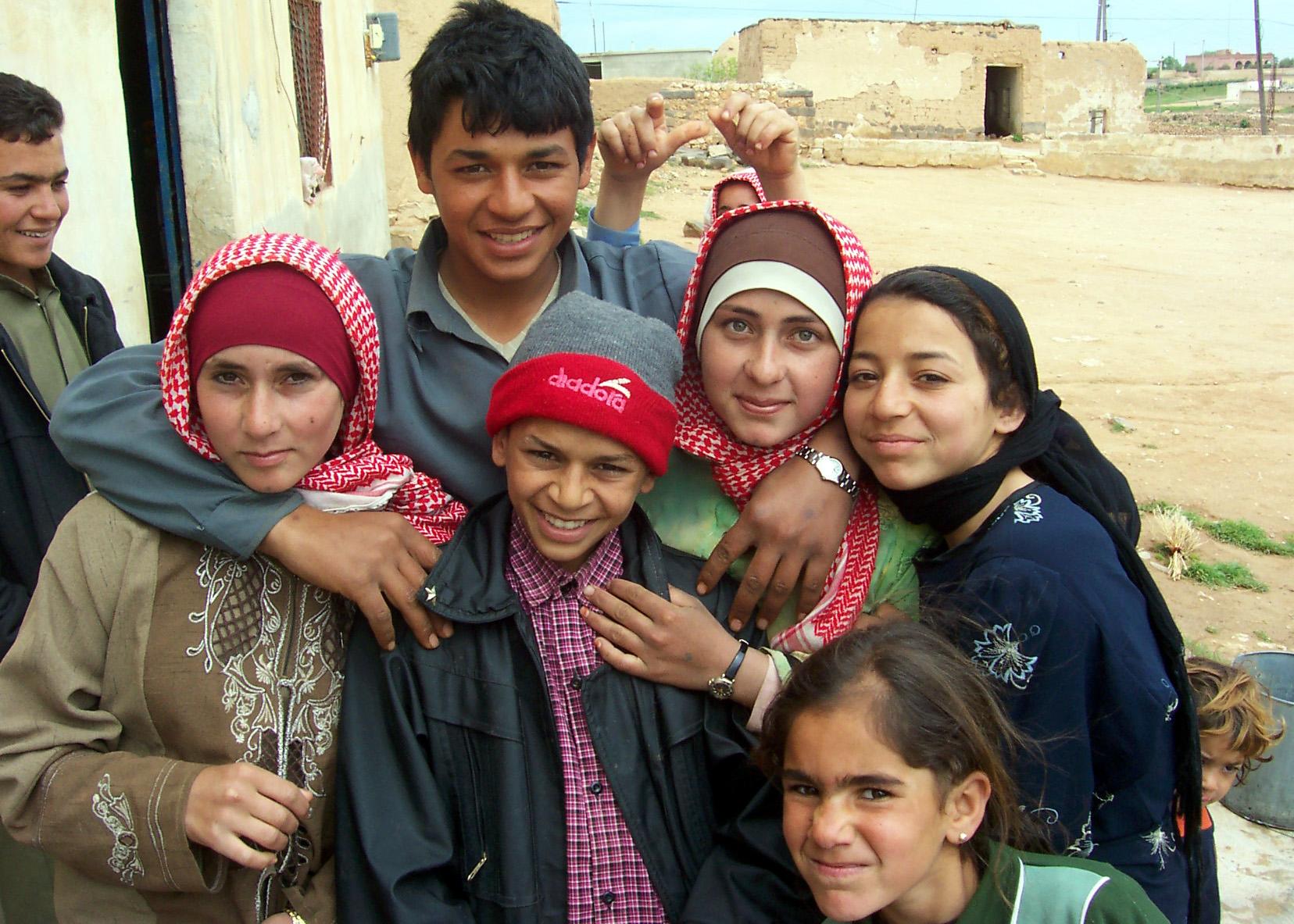 Bedu_children,_Aleppo,_Syria_-_1